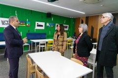 Посланик Херо Мустафа на посещение в Дневен център